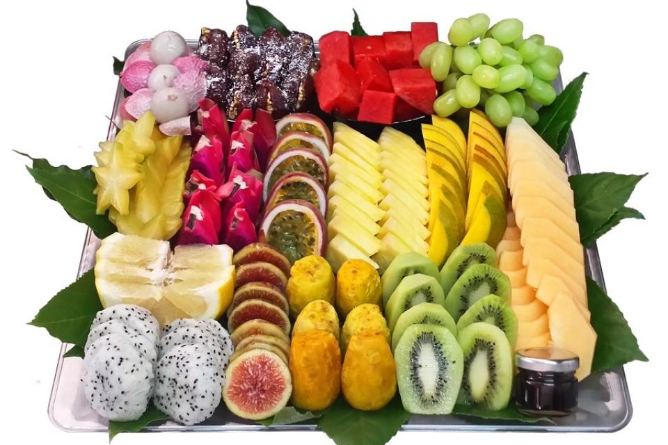 מגש פירות אהבה בריבוע בינוני