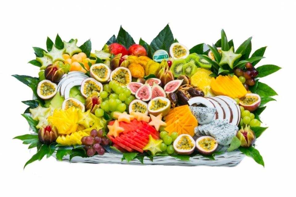 סלסלת פירות רומנטית