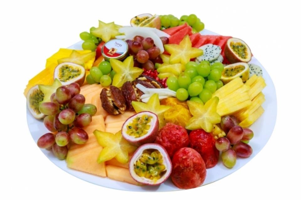 מגש פירות משפחתי לחג